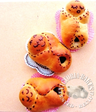 3 baby shower bread