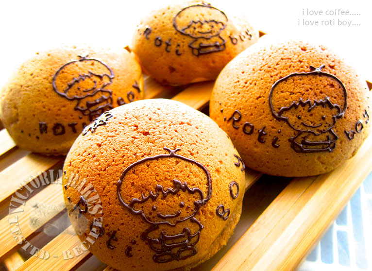 coffee buns… & hand-painted bread rolls