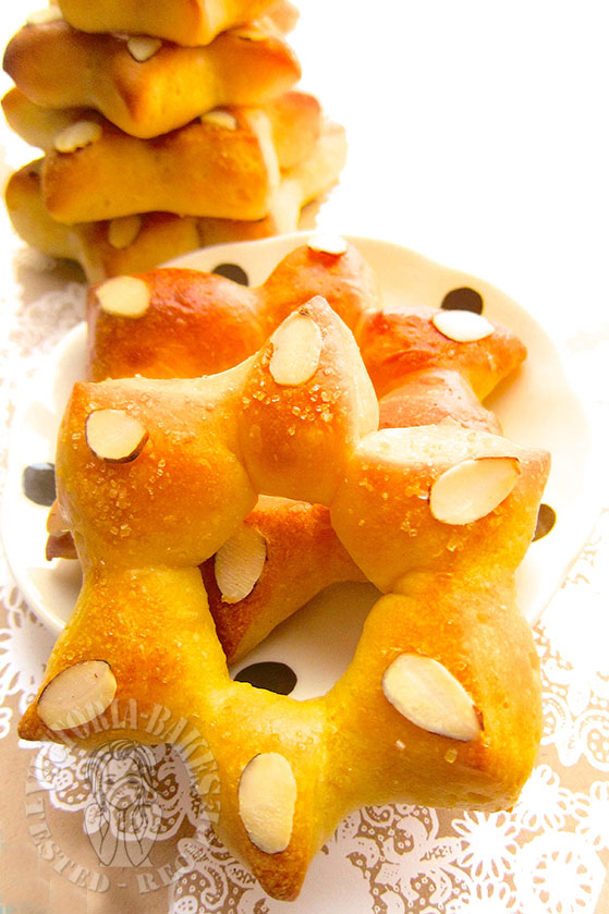 Greek Almond-Crusted Citrus bread