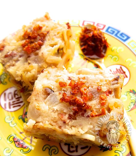traditional daikon cake 传统萝卜糕 O(o^O `;)人