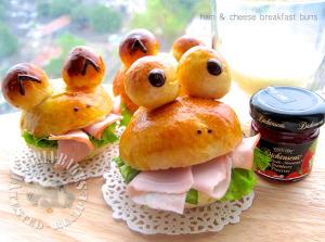 ham & cheese breakfast buns 青蛙火腿堡