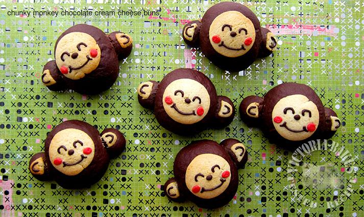 chocolate cream cheese buns