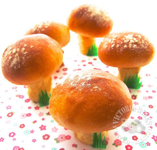 mushroom bread ~ starter dough 蘑菇头面包~老面团