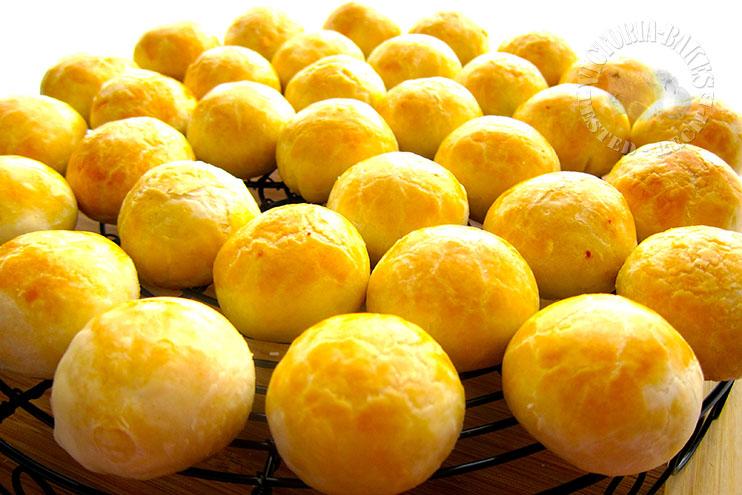 tau sar piah 豆沙饼 ~ wrapping tau sar piah d(=^・ω・^=)b