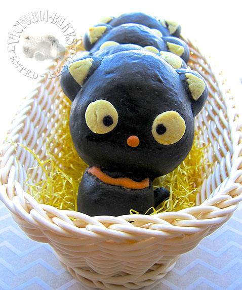 chococat bamboo charcoal custard bread 竹炭卡士达面包 d(=^・ω・^=)b