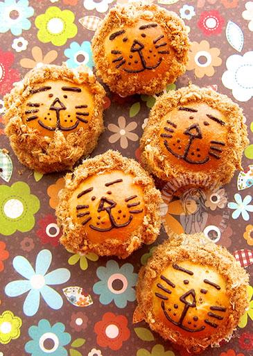 lion bread ~ pork floss bun 狮子肉松餐包(≡・ x ・≡)
