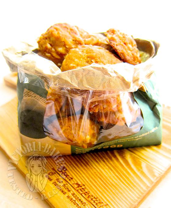 white chocolate chip and macadamia nut cookies 白巧夏威夷果仁曲奇