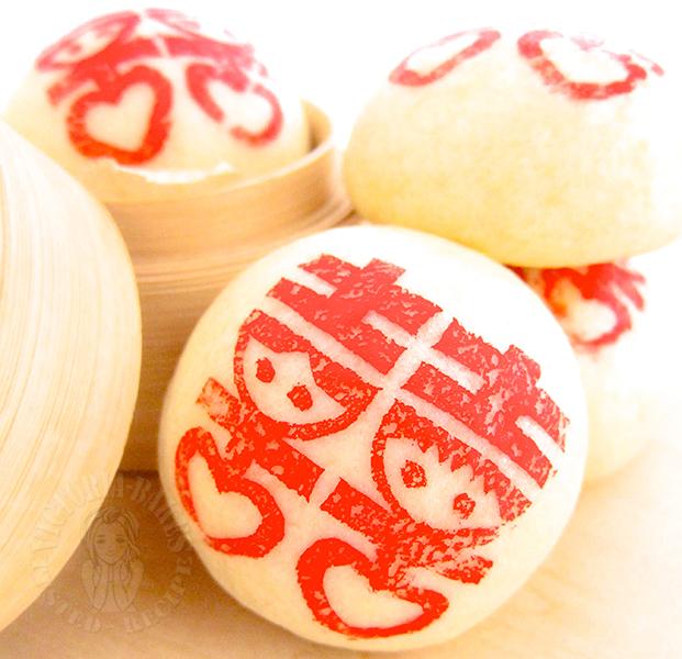 soy milk mantou (steam bun) 滑溜溜的豆浆甜馒头
