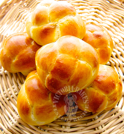 """cantonese style twisted sweet bun (with shaping instructions) 广东""""绣球""""餐包(附超详细整形图解)"""