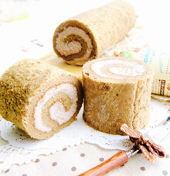 white coffee swiss roll (with nut filling: no whipped cream!) ~ yummy! 白咖啡蛋糕卷(坚果内馅:不要不要淡奶油!)~好次!