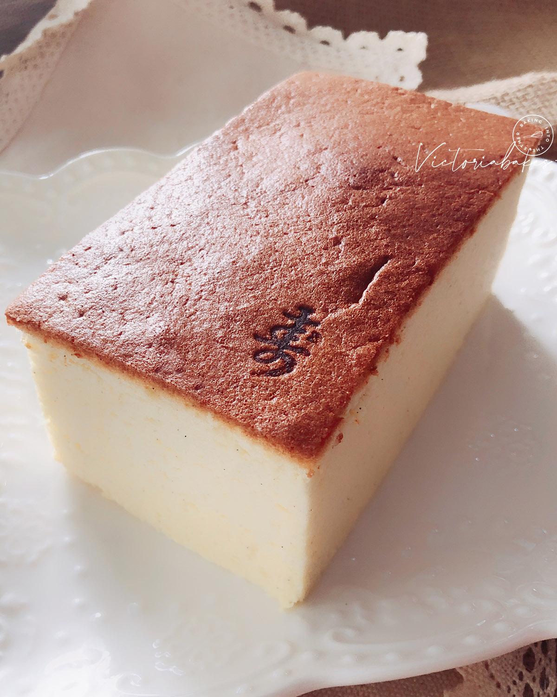 melt-in-mouth very light (flourless) cheesecake 入口即化超轻乳酪蛋糕(无面粉版)